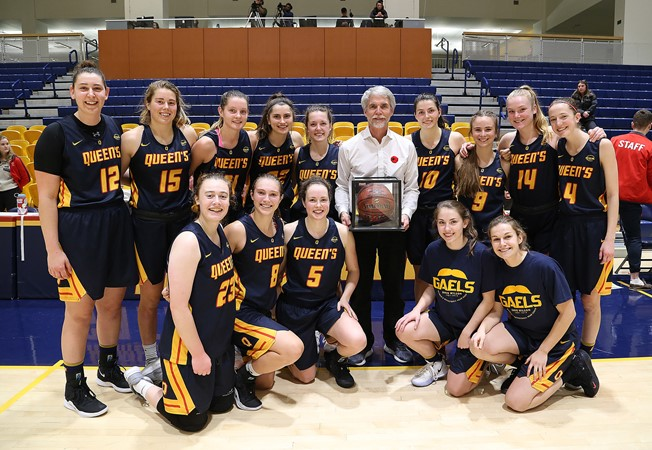 Gaels honour Dave Wilson, defeat No.2 Ottawa to complete weekend sweep